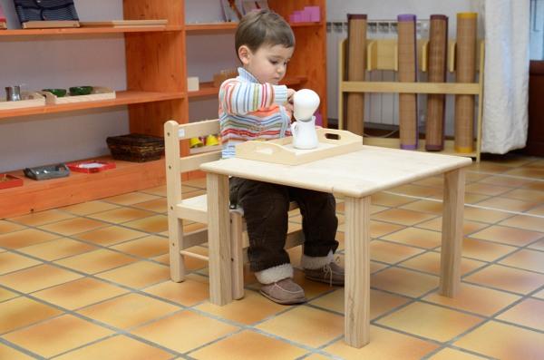 Chaise et table pour les moins de 3 ans